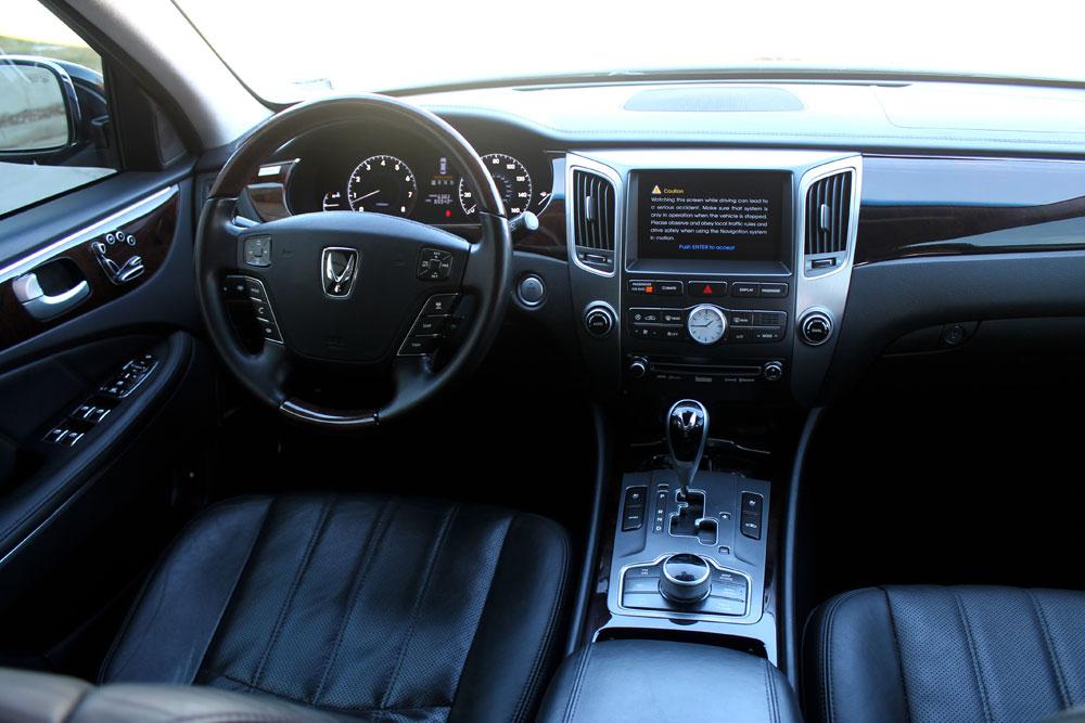 3 passenger equus sedan rental St. Louis